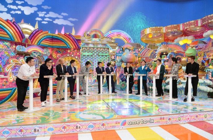 「アメトーーク!」で展開される「立ちトーーク」のワンシーン。(c)テレビ朝日
