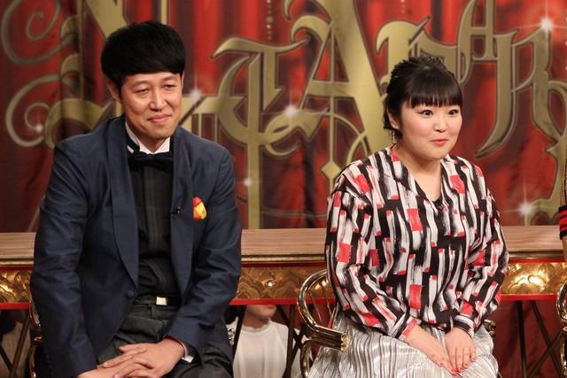 (左から)小籔千豊、柳原可奈子。(c)フジテレビ