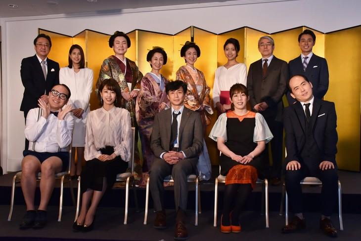 フジテレビの2019年4月改編および「60周年記念WEEK」記者発表会に出席したトレンディエンジェル(前列両端)ら。