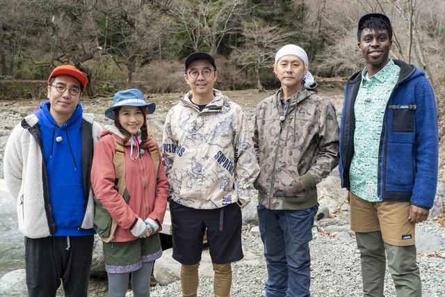 左からおぎやはぎ小木、西野未姫、おぎやはぎ矢作、ヒロシ、超新塾・アイクぬわら。(c)メ~テレ