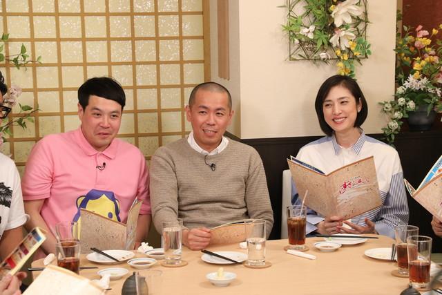 「話題の本格すしチェーン店で帰れま10」に出演する、タカアンドトシと天海祐希(右)。(c)テレビ朝日
