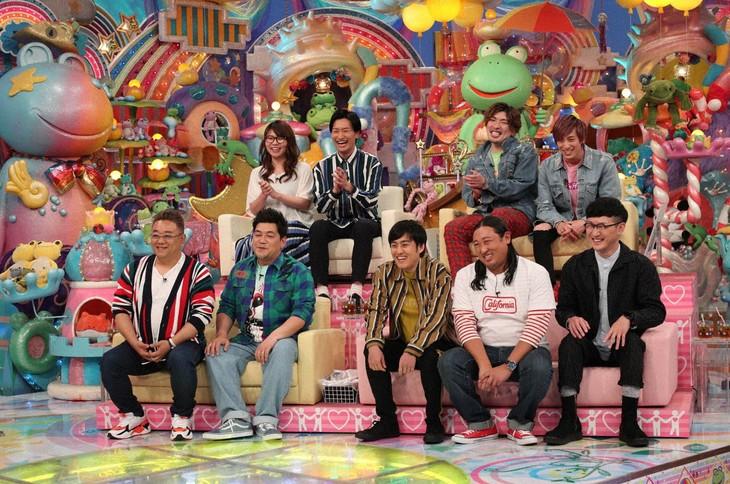 「アメトーーク!」に「相方やさしい芸人」として出演する(前列左から)サンドウィッチマン、ロバート、(後列左から)相席スタート、EXIT。(c)テレビ朝日