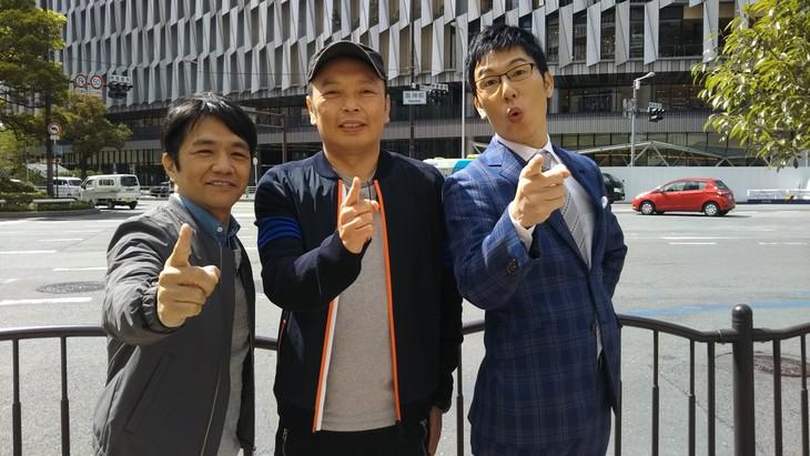左から中川家、浅越ゴエ。(c)テレビ大阪