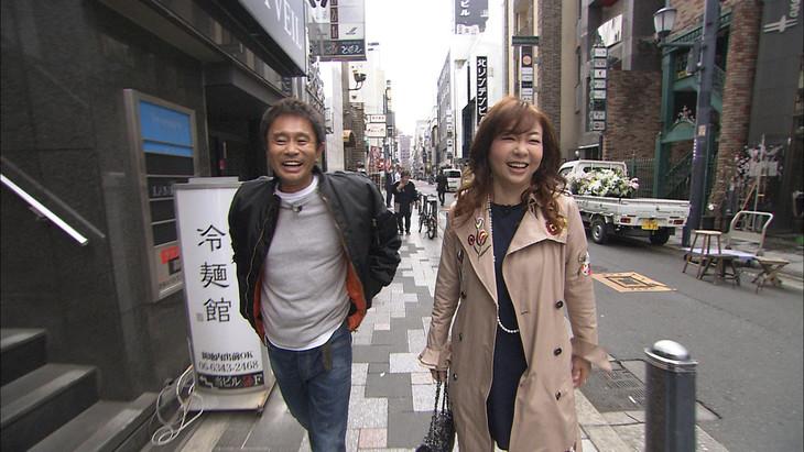 ダウンタウン浜田(左)とハイヒール・モモコ(右)。(c)MBS