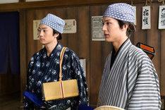 伊藤健太郎と中川大志演じる助さん格さんコンビ。(c)NHK