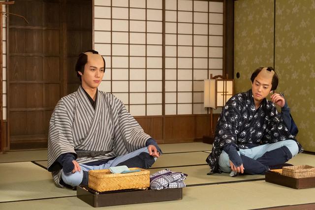 コント「ご隠居!私は助さんです」のワンシーン。(c)NHK