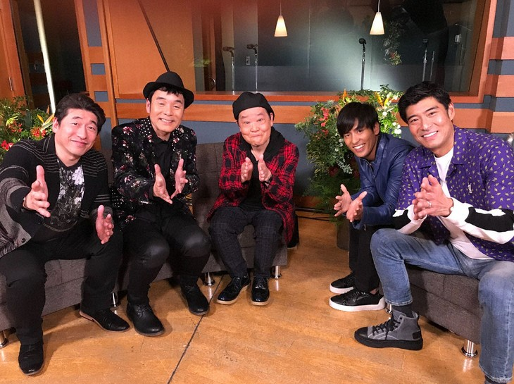 「My Anniversary SONG」に出演する(左から)ダチョウ倶楽部、K、高嶋政宏。(c)BS朝日