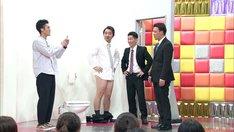ハナコ菊田(左)とジャングルポケット。(c)テレビ朝日