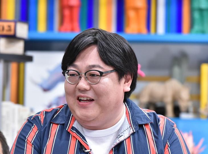 「それって!?実際どうなの課」に出演するタイムマシーン3号・関。(c)中京テレビ