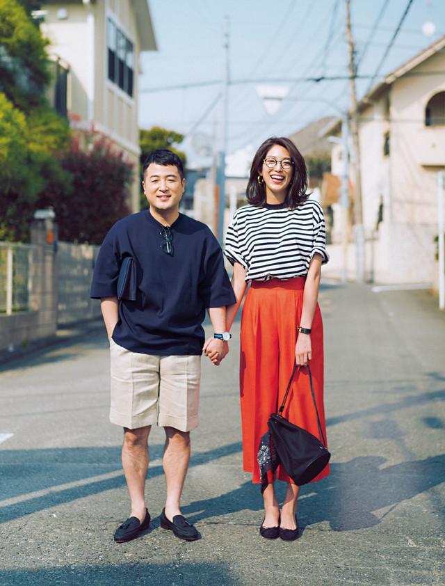 「Domani」6/7月号でパパコーディネートを着用している和牛・水田(左)。