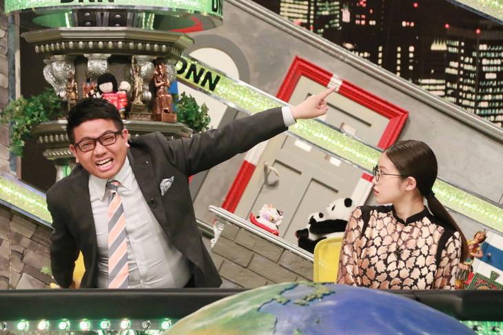 「全力!脱力タイムズ」に出演する(左から)ミキ昴生、今田美桜。(c)フジテレビ