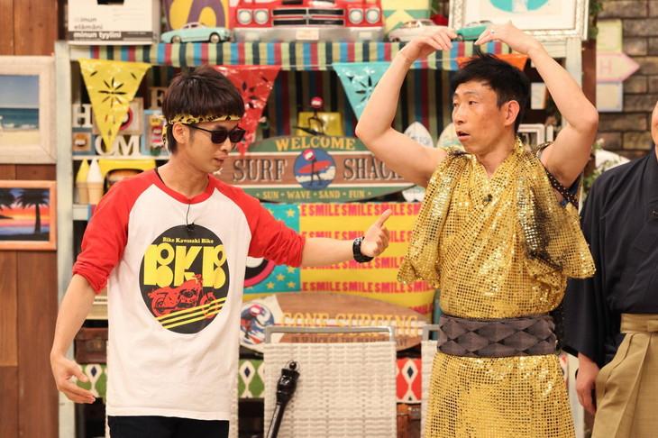 「さんまのお笑い向上委員会」に出演する(左から)バイク川崎バイク、モンキッキー。(c)フジテレビ
