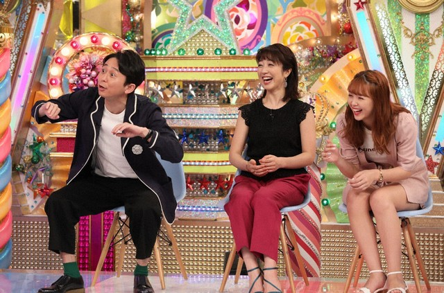 (左から)有吉弘行、川田裕美、藤田ニコル。(c)テレビ朝日