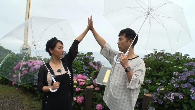 左から友近、藤井隆。(c)日本テレビ