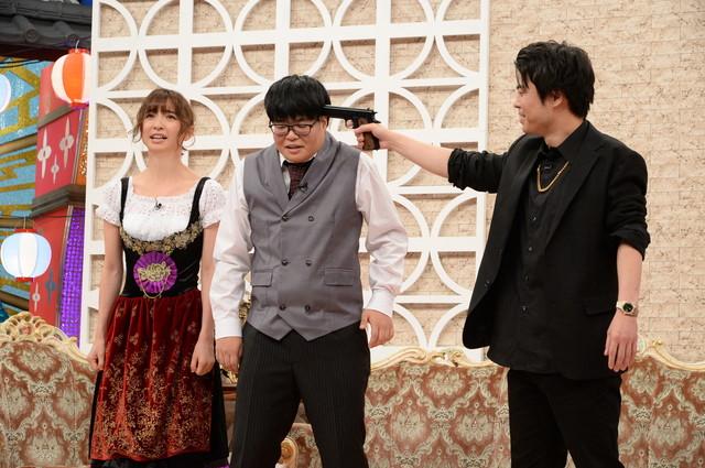 ライスと篠田麻里子(左)。(c)ABCテレビ