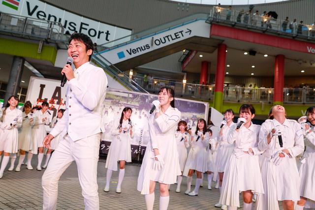 NON STYLE石田(手前左)(撮影:Yoshifumi Shimizu)