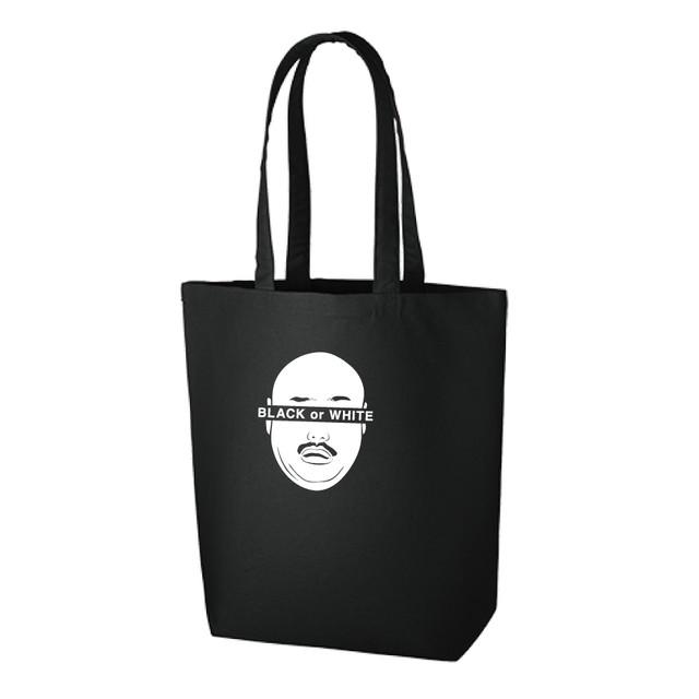 「クロちゃんのモンスターパーク」で販売されるトートバッグ。