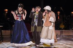 恋と音楽 FINAL~時間劇場の奇跡~」より。左から真飛聖、小倉久寛、北村岳子。(撮影:引地信彦)
