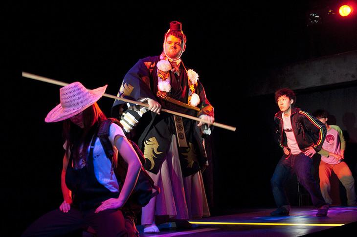 2010年に上演された木ノ下歌舞伎「勧進帳」より。(撮影:東直子)