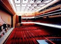 明治座客席イメージ。座席数は1368。