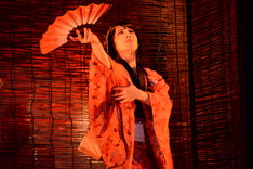 和田琢磨演じる春琴。