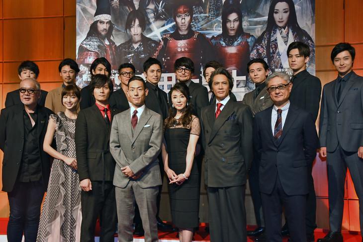 「真田十勇士」製作発表会見フォトセッションの様子。