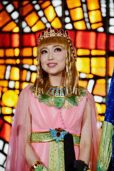 ミュージカル「王家の紋章」囲み取材の様子。キャロル役の新妻聖子。