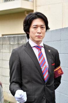 「IQ246~華麗なる事件簿~」より、宮尾俊太郎演じる山田次郎。(c)TBS