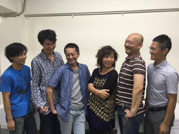 極東退屈道場 #007「百式サクセション」出演者。左から加藤智之、田口翼、土本ひろき、生田朗子、あらいらあ、小笠原聡。