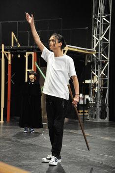 「ミュージカル『黒執事』~NOAH'S ARK CIRCUS~」稽古の様子。ジョーカーを演じる三浦涼介。
