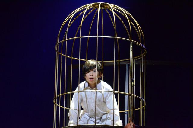 「ミュージカル『黒執事』~NOAH'S ARK CIRCUS~」ゲネプロの様子。内川蓮生演じるシエル・ファントムハイヴ。
