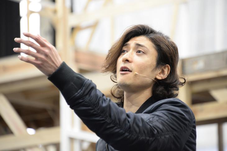 ミュージカル「ロミオ&ジュリエット」稽古場より、ロミオ役の古川雄大。