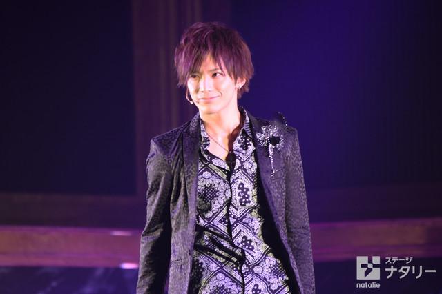 「舞台『私のホストちゃんREBORN』」ゲネプロより、久保田秀敏演じる流星。