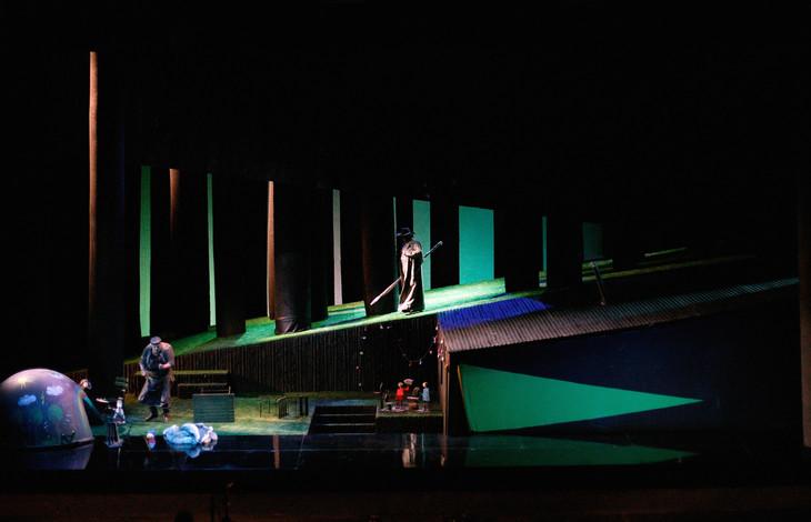 「ジークフリート」フィンランド国立歌劇場公演より。(Photo:Karan Stuke)