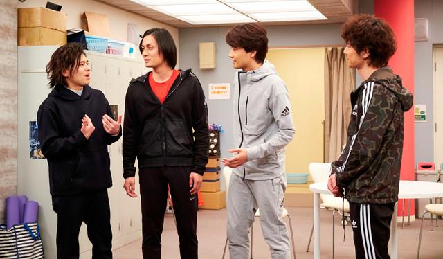 「グリーン&ブラックス」より。左から中川晃教、加藤和樹、井上芳雄、柿澤勇人。