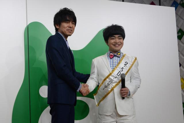 左から松田誠日本2.5次元ミュージカル協会代表理事、加藤諒。