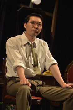 文劇喫茶シリーズ 第1弾「それから」ゲネプロより、今立進扮する平岡常次郎。(撮影:鏡田伸幸)