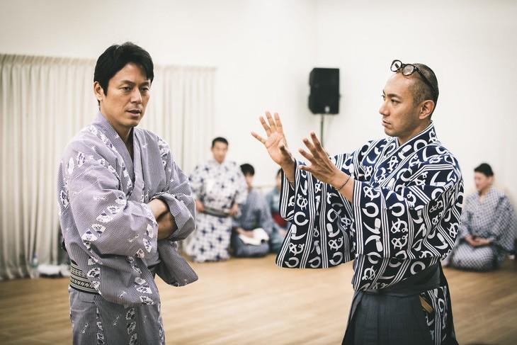 「『ABKAI 2017』石川五右衛門 外伝」稽古の様子。左から山田純大、市川海老蔵。