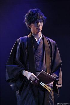 「夢舞台 艶が~る 初宴」より。(撮影:植田鉄平、菅原愛・リジュエ)