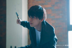西条みつとし脚本、関和亮監督「裸で誘拐された男」より、吉沢亮。