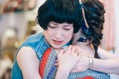 喜安浩平脚本、関和亮監督「夜逃げする女」より、緒川たまき。