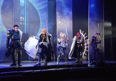 「Fate/Grand Order THE STAGE -神聖円卓領域キャメロット-」ゲネプロより、円卓の騎士を演じる5人。