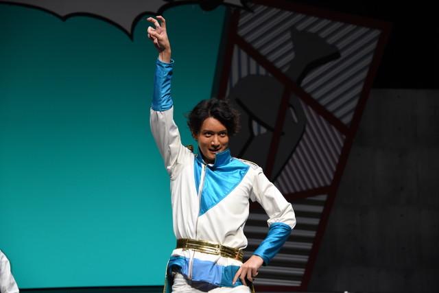 丹澤誠二演じる五重乃トウゴ。