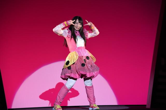 須藤茉麻演じる桜田ファミリア明日香。