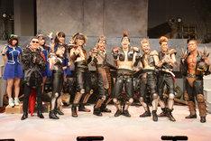 舞台「北斗の拳―世紀末ザコ伝説―」フォトセッションより。