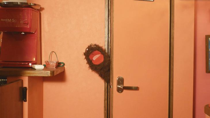 かせきさいだぁ「Choco that I know girl」MVより。