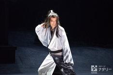 「劇団☆新感線『髑髏城の七人』 Season風」フォトコールより。松山ケンイチ演じる捨之介。