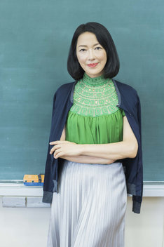 ONEOR8「グレーのこと」より、羽田美智子。