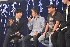 ONWARD presents「劇団☆新感線『髑髏城の七人』Season月 Produced by TBS」製作発表記者会見より。中島かずき(中央)といのうえひでのり(右)。