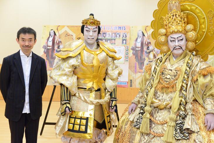 左から宮城聰、尾上菊之助、尾上菊五郎。